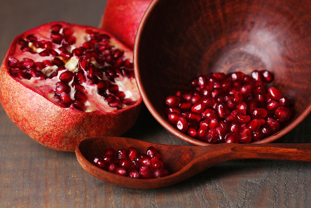 pomegranate, health benefits of pomegranate, pomegranate health benefits, pomegranates
